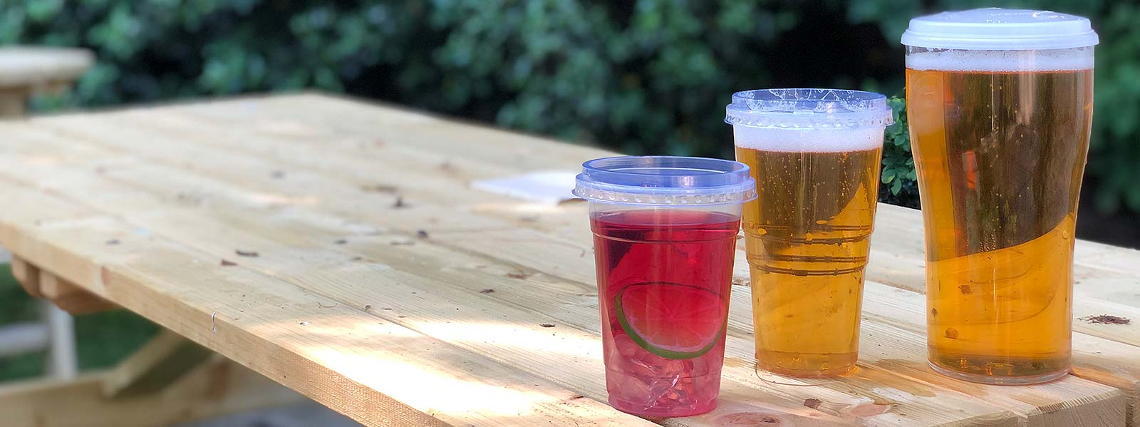 Plastic Beer Glasses with Lids